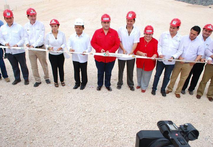 Inauguración formal después del corte de listón por parte del Gobierno del Estado. (Tomás Álvarez/SIPSE)