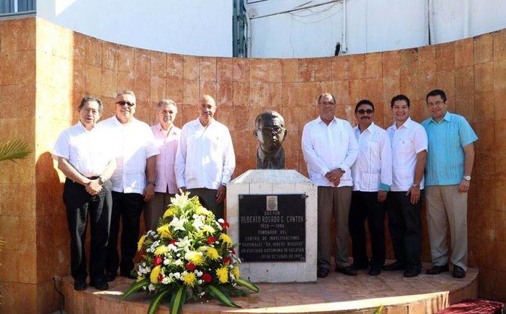 Imagen de la conmemoración del XLI aniversario del CIR de la Autónoma de Yucatán, el evento fue presidido por el rector de la Uady, José de Jesús Williams. (Milenio Novedades)