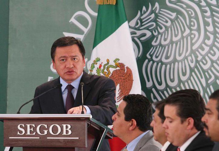 Osorio Chong destacó que la colaboración entre la sociedad y la autoridad será posible frenar la delincuencia en Michoacán. (Notimex)