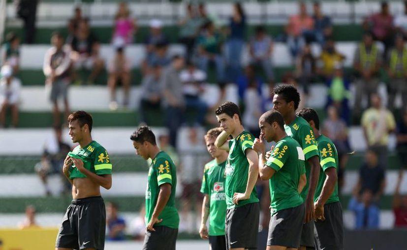 Brasil despejó algunas dudas al derrotar 3-0 a Francia. (Agencias)