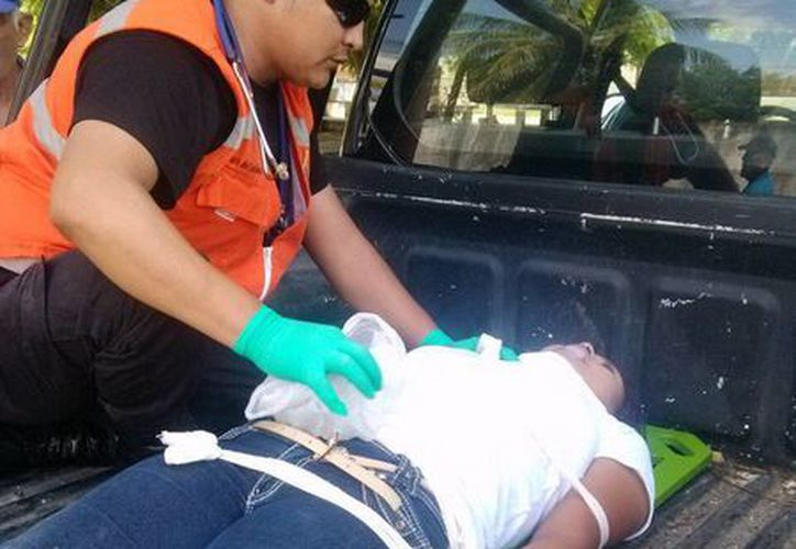 La joven madre fue llevada a un hospital en una camioneta  hasta Dzidzantún, de ahí al IMSS de Motul y posteriormente al IMSS T-1 debido a la gravedad de las heridas. (Milenio Novedades)