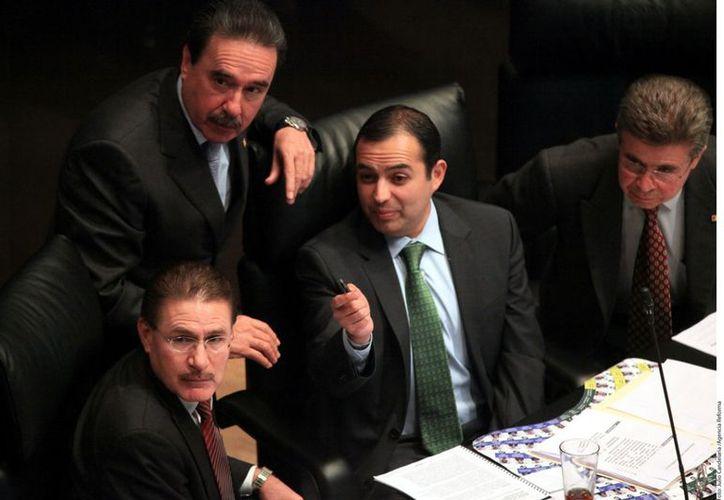 """De acuerdo con senadores, el """"apoyo"""" para la compra de automóviles fue entregado a los integrantes de todos los grupos parlamentarios. (Agencia Reforma)"""