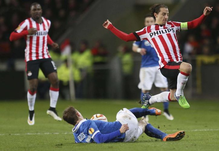 Andrés Guardado fue titular en el 3-1 de su equipo PSV sobre Zwolle en la Liga de Holanda, que están muy cerca de ganar. (posta.com.mx)