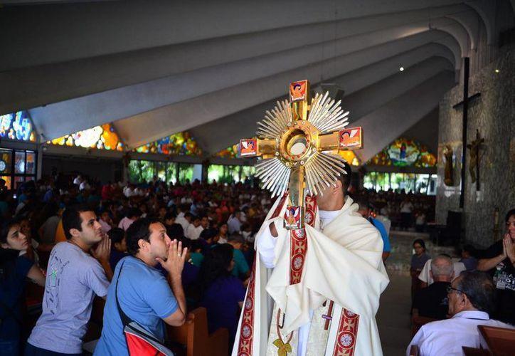 Como parte de las actividades se realizará una hora santa en la sede del evento en la calle 51 por 42 y 44 No. 443A del centro de Mérida. (Milenio Novedades)