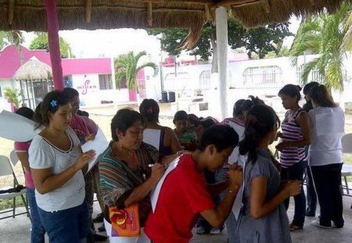 El taller se aplicó con los niños, niñas, adolescentes de nuevo ingreso, así como las cuidadoras de la Casa Filtro. (Redacción/SIPSE)