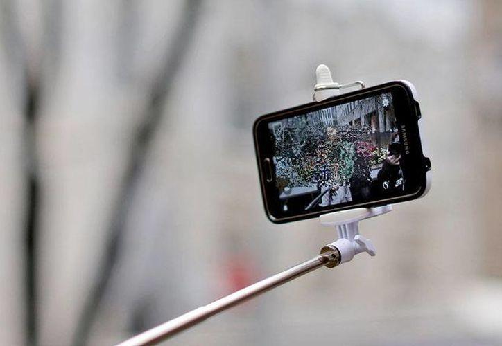 Una 'selfie' causó una tragedia en la India donde cinco jóvenes fallecieron al ahogarse en un lago. (Imagen ilustrativa/ AP)