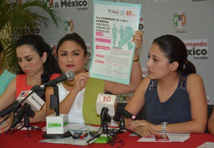 Las inscripciones para la Carrera contra el cáncer de ovario se llevan a cabo en la Casa del Pueblo y en el estadio Salvador Alvarado. (Milenio Novedades)