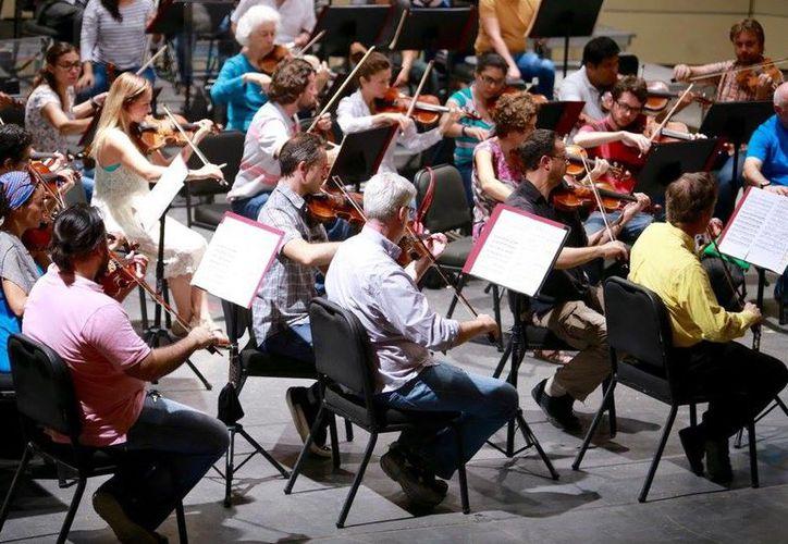 """La Orquesta Sinfónica de Yucatán ofrecerá el """"Concierto para Flauta y Arpa K 299"""" de Mozart estos 10 y 12 de marzo. (Facebook/OSY)"""