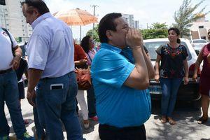 Se manifiestan maestros en contra de evaluación en Cancún