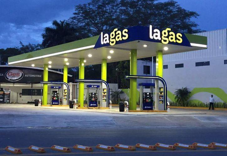 La nueva marca arranca con dos estaciones de servicio que inician operaciones en el centro de la ciudad de Campeche y Periférico Norte, de Mérida.  (lagas.com.mx)