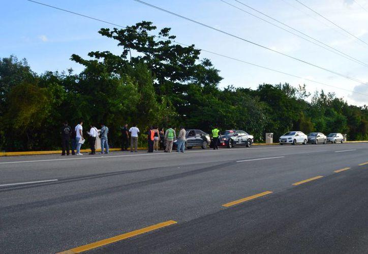 Un motociclista, de 23 años de edad, fue encontrado sin vida en el bulevar Kukulcán de Cancún. (Cortesía)