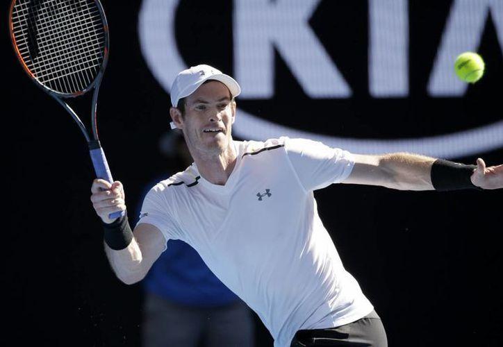 Andy Murray avanzó a la segunda ronda del Abierto de Australia, tras derrotar al ucraniano Illya Marchenko.(Aaron Favila/AP)