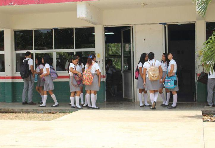 La matrícula que existe en Carrillo Puerto es de 38 escuelas con una totalidad de cuatro mil 238 alumnos. (Jesús Caamal/SIPSE)