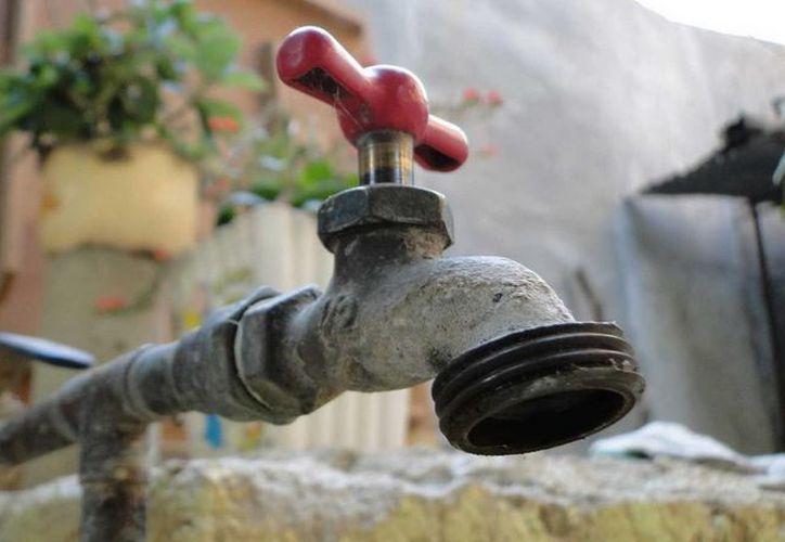 Se hizo un llamado a la población para hacer uso racional del agua en lo que se normaliza el servicio a más tardar en las próximas 48 horas. (Redacción/SIPSE)