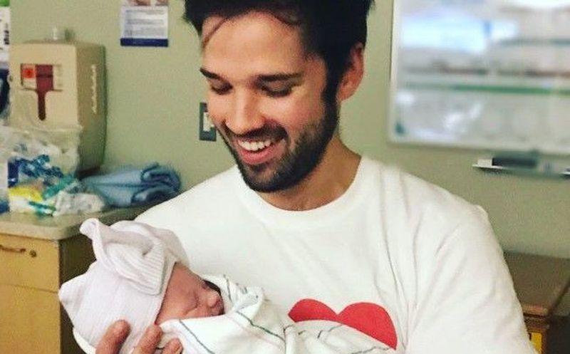 Celebra 'Freddie' nacimiento de su primer bebé