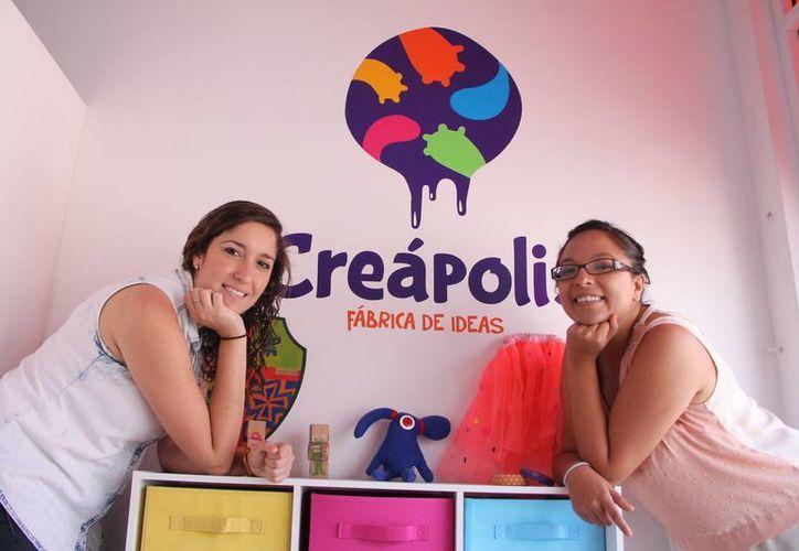 Las jóvenes comenzaron su negocio como un proyecto de tesis. (José Acosta/SIPSE)