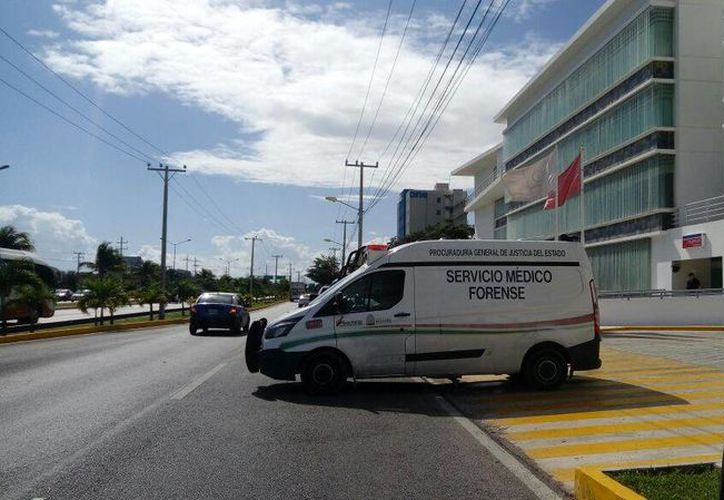 El sujeto fue traslado del hospital Galenia a las instalaciones de la Fiscalía. (Redacción)