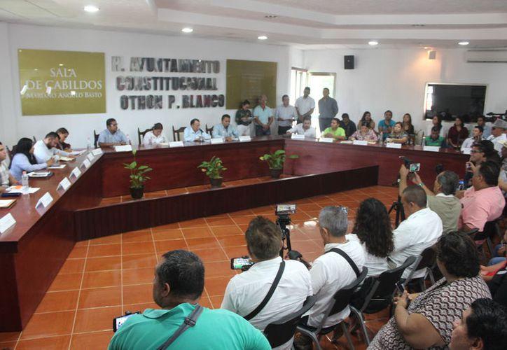Durante la sesión de Cabildo de este martes se aprobó el nuevo logotipo del Ayuntamiento de Ohtón P. Blanco. (Daniel Tejada/SIPSE)