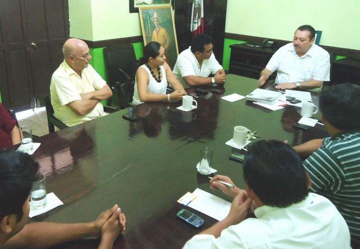 Empresarios durante una reunión con el Alcalde en Palacio Municipal. (Milenio Novedades)