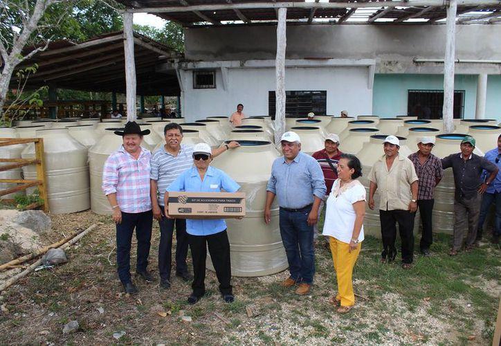 Se siguen encontrando irregularidades de apoyos que supuestamente recibieron cientos de campesinos en el quinquenio pasado. (Foto: Tony Blanco / SIPSE)