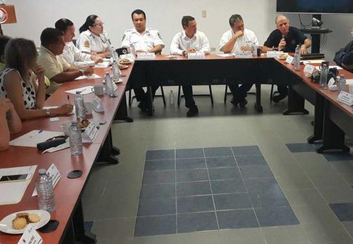 Durante una reunión con cónsules, autoridades estatales garantizaron que Q. Roo es seguro para  los turistas. (Cortesía)