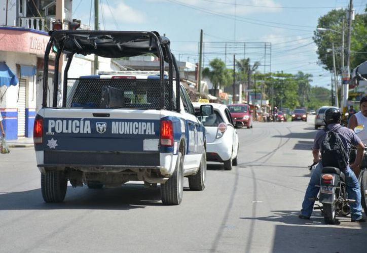 La policía arribó al lugar de los hechos para evitar una tragedia. (Foto: Contexto)