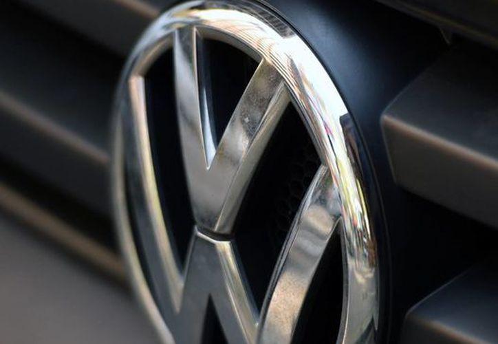 Hace unas semanas la Volkswagen perdió el 17.1 por ciento de su valor bursátil luego de admitir que manipuló casi medio millón de vehículos. (Archivo/EFE)
