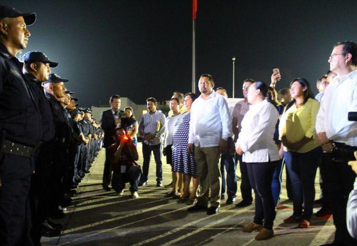 La noche de ayer se designó al nuevo titula de la Dirección General de Seguridad Pública en el municipio de Solidaridad. (Daniel Pacheco/SIPSE)