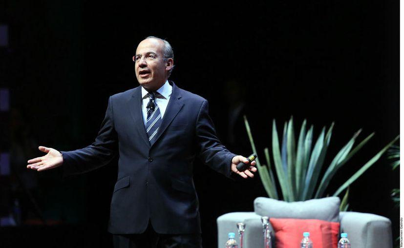 Felipe Calderón señaló que AMLO debe hacerse responsable de su gobierno y conducir al país, pero si responsabilizarlo sirve de algo que lo haga. (Agencia Reforma)