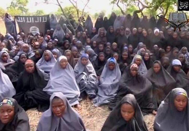 El grupo extremista Boko Haram, que recién juró lealtad al Estado Islámico, ha secuestrado cientos de mujeres en Nigeria desde su aparición en ese país. (Archivo/CNN México)