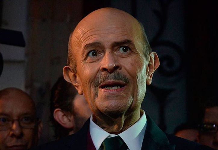 El todavía gobernador de Michoacán, Fausto Vallejo, anuncia que deja el gobierno para tratarse un problema de salud. (excelsior.com.mx)