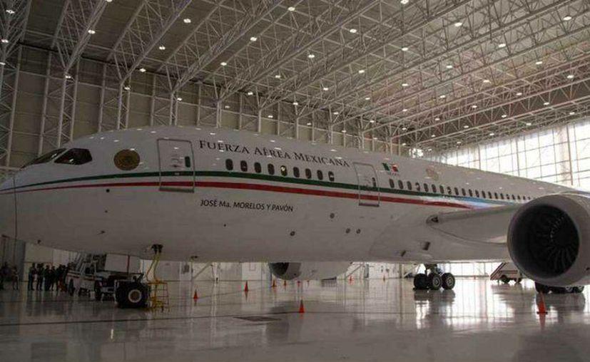 El gobierno federal recibió una oferta para la venta del avión presidencial, este proceso está en curso por 120 millones de dólares, que es aproximadamente 2 mil 697 millones de pesos, la oferta es en efectivo y parte en equipos médicos. (Foto: Twitter).