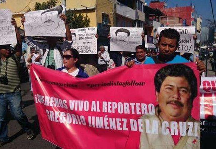 El gobierno de Veracruz afirmó que el periodista Gregorio Jiménez fue ultimado por una venganza personal, pero su viuda dice que la la causa real del crimen fue la publicación de una nota. (Milenio)