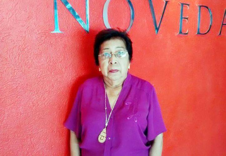 """María del Pilar Acevedo Brito presentará su libro de poemas, hoy a las 20:00 horas, en la Biblioteca Central Estatal """"Manuel Cepeda Pereza"""". (Milenio Novedades)"""