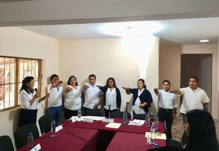 Tomaron protesta los integrantes del consejo municipal electoral. (Raúl Balam/SIPSE)