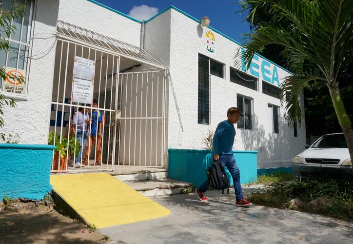 Muchas personas siguen en vulnerabilidad debido a que no tienen terminada su primaria ni su secundaria. (Paola Chiomante/SIPSE)