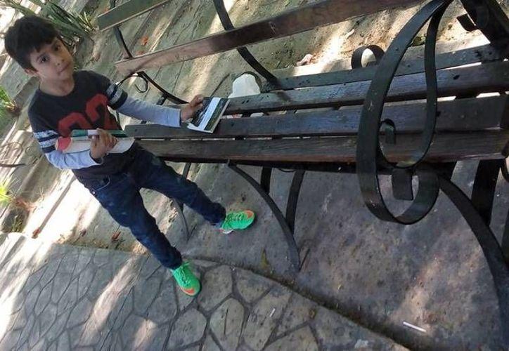 Las personas pueden dejar los libros en bancas de parques, casetas telefónicas o macetas. (Foto: Redacción)