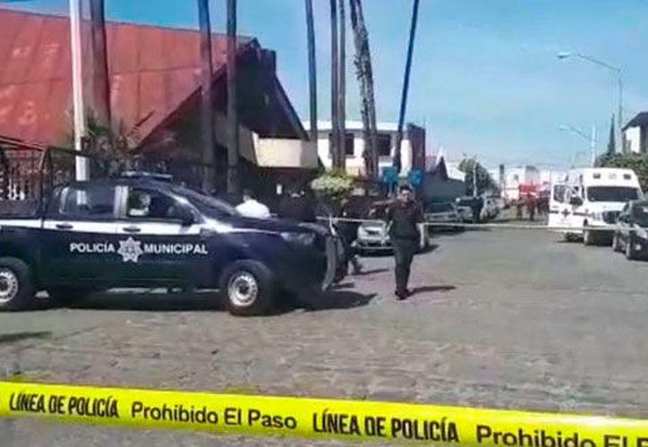 Dos hombres se les acercaron, sacaron sus armas y les dispararon. (Infobae)
