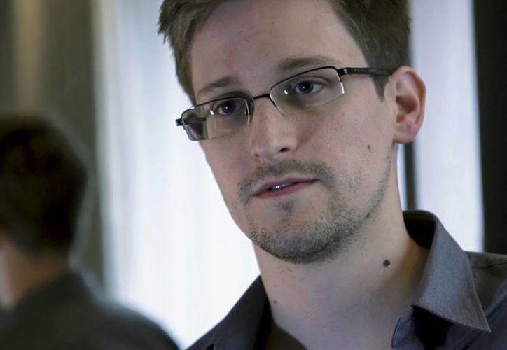 Edward Snowden es considerado un espía  por el Gobierno de Estados Unidos. Vive asilado en Rusia y ahora ya es candidato al Premio Nobel de la Paz. (Archivo/Agencias)