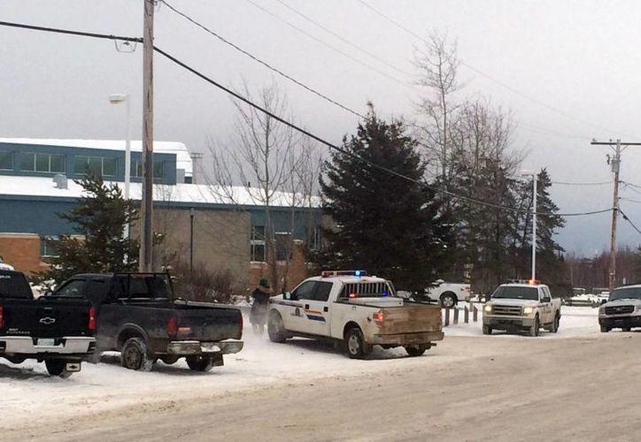 La escuela donde se registró la balacera permanecerá cerrada, informó la institución en su página de Facebook. (AP)