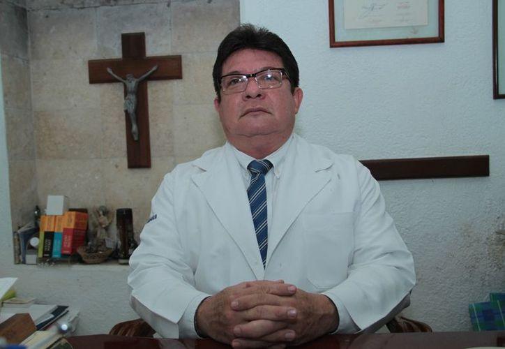 El doctor David Espinosa Medina, presidente nacional de la Sociedad Mexicana de Cirujanos de Colon y Recto, A.C. (José Salazar/Milenio Novedades)