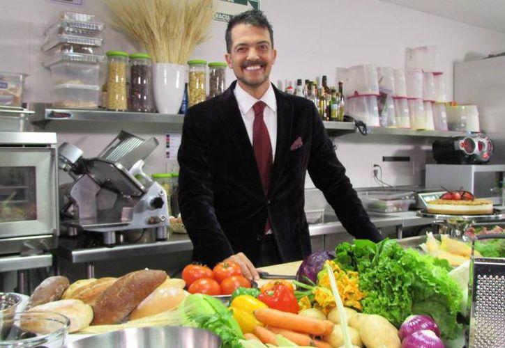 A finales de octubre de este año, Fernando del Solar regresó a la conducción mediante el programa de concursos 'Gánale al chef'. (Twitter/@Fer_DelSolar)