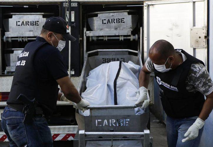 La ciudad de Victoria, capital de Espíritu Santo, en Brasil, vive días de constantes saqueos y asesinatos debido a la ausencia de vigilancia. (AP/Diego Herculano)