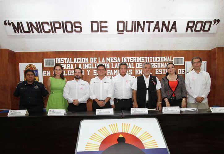 El convenio se firmó entre autoridades de los tres órdenes de gobierno. (Cortes/SIPSE)