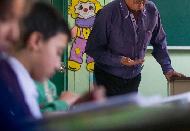 En el Día del Maestro, el Gobierno anunció cambios en los planes de estudios de nivel básico de educación. (Archivo/NTX)