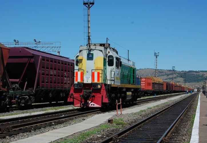 La línea de tren trans siberiana une Rusia occidental con Oriente Lejano. (Agencias)
