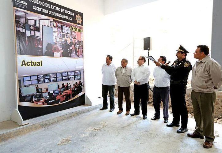 El gobernador Rolando Zapata Bello realizó ayer una visita de supervisión en las instalaciones de la SSP. (Milenio Novedades)