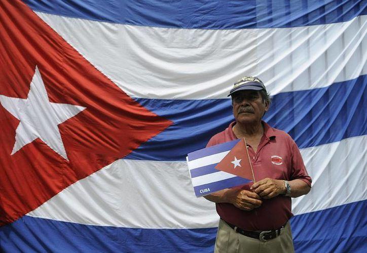 La misión diplomática de La Habana en Washington informó de que tanto la Sección de Intereses como la misión permanente de Cuba ante la ONU han perdido la capacidad de realizar depósitos en su entidad financiera. (EFE/Archivo)