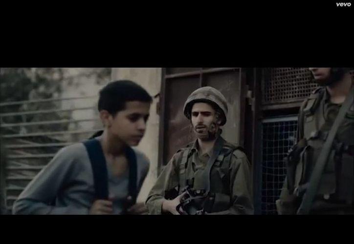 """El video de """"Multi_Viral"""", grabado en Beit Sahour, un poblado cercano a la ciudad de Belén, ya cuenta con más de 44,176,576 reproducciones. (YouTube)"""
