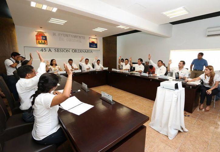 Se aprobó que la empresa Teléfonos de México fuera la que ofreciera los servicios en los nuevos fraccionamientos de la isla. (Redacción/SIPSE)